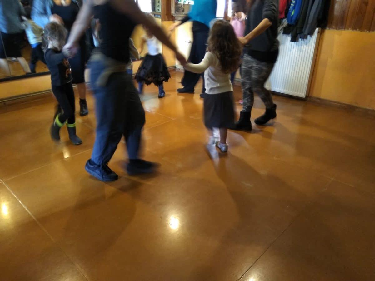 Μουσικοκινητική για παιδιά και βρέφη